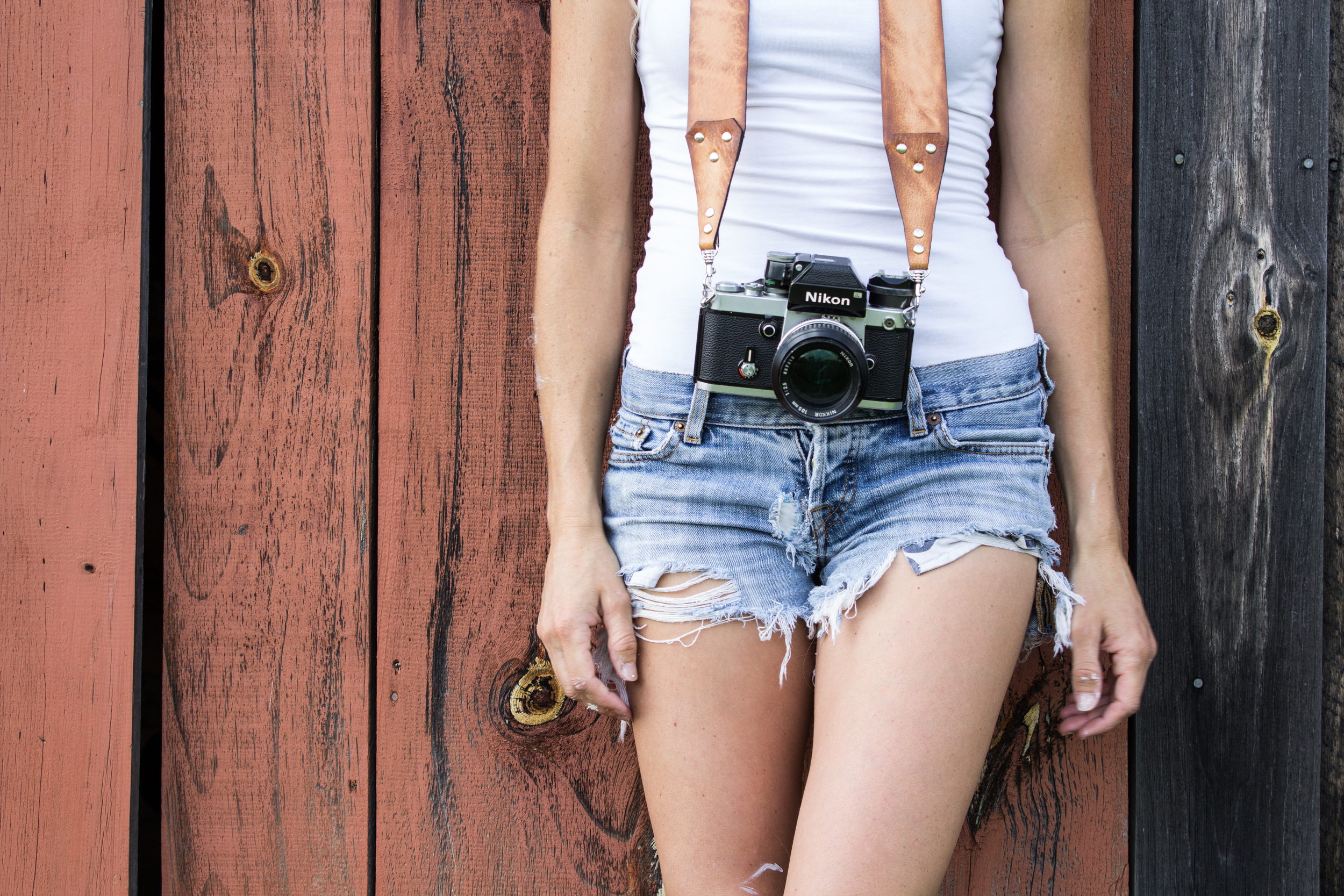 leather-suspender-style-camera-strap-7.jpg