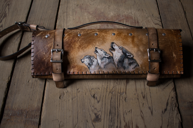 wolves howling leather knife roll.jpg