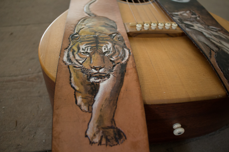 wildlife guitar straps wolves and tiger-14.jpg