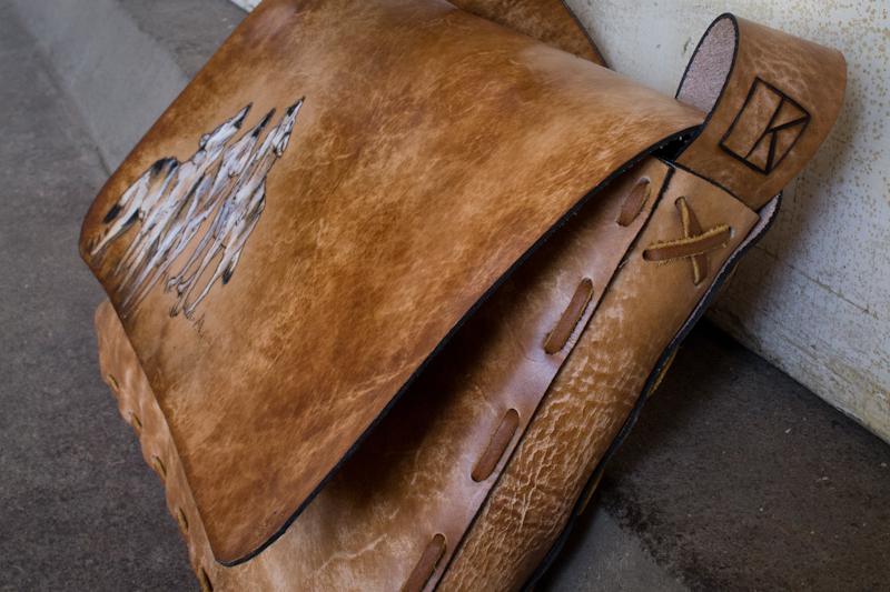 howling-wolves-custom-bag-2.jpg