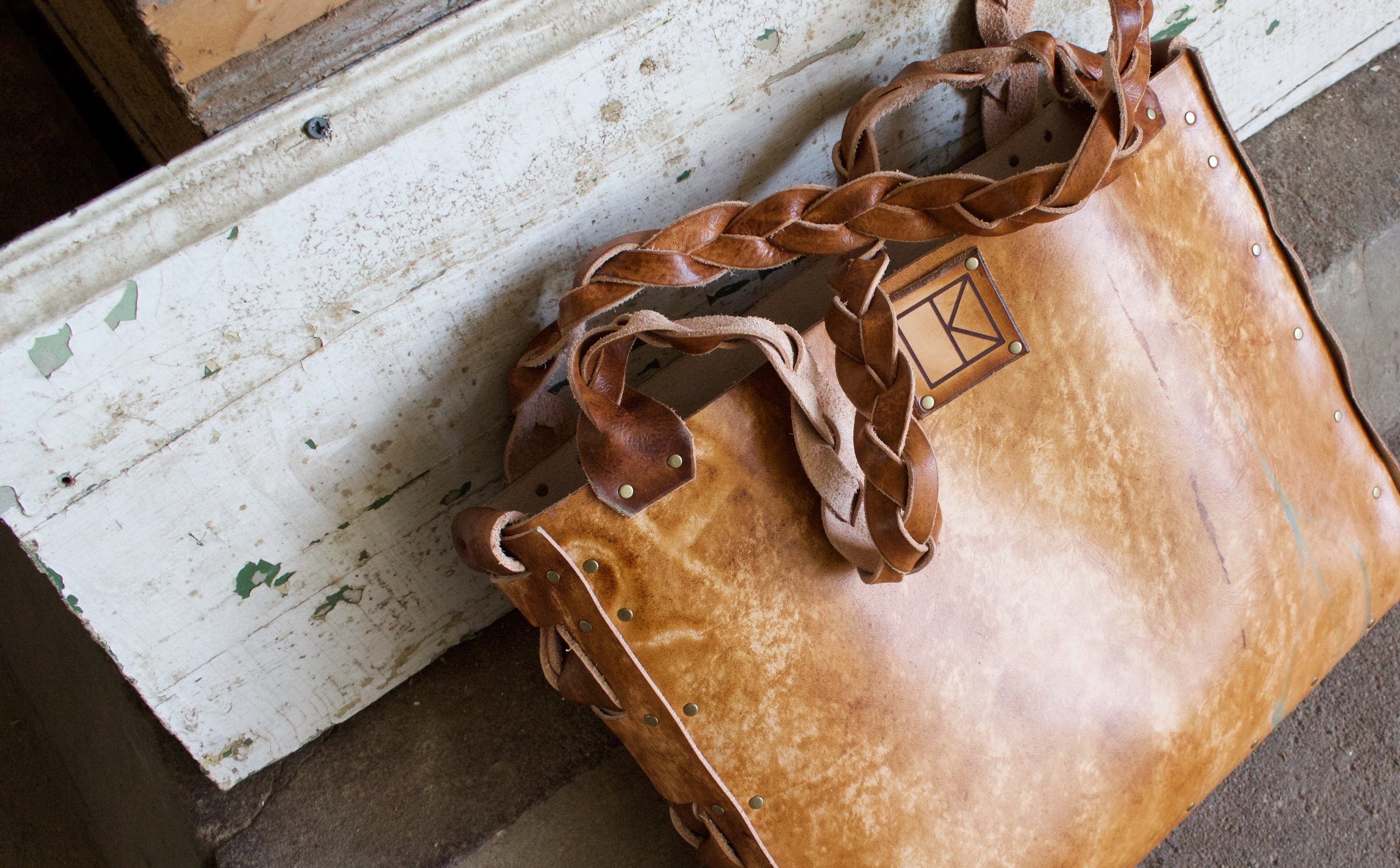 wave space flowers leather tote4.jpg