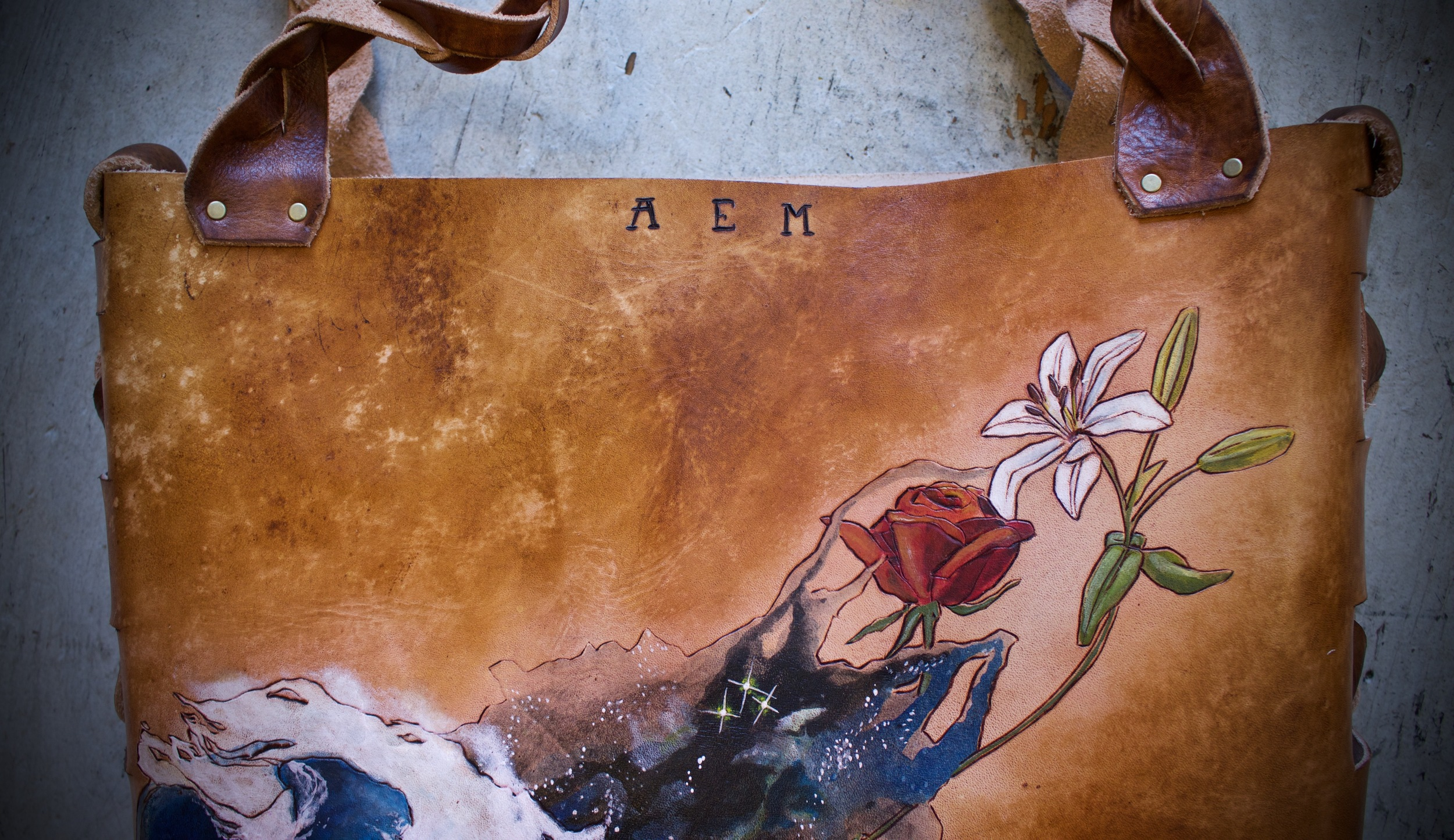 wave space flowers leather tote12.jpg