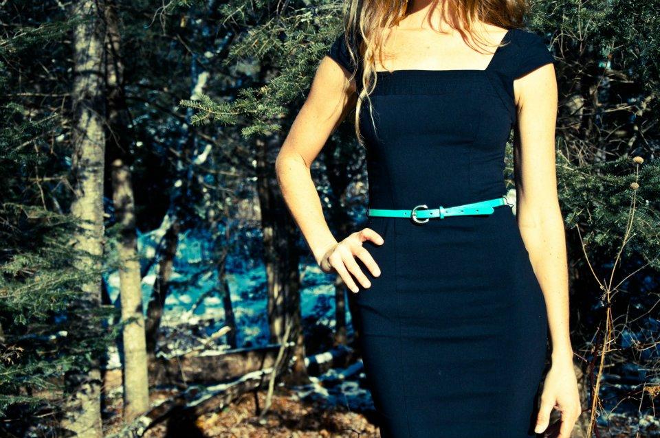 high waist skinny belt Linny Kenney.jpg