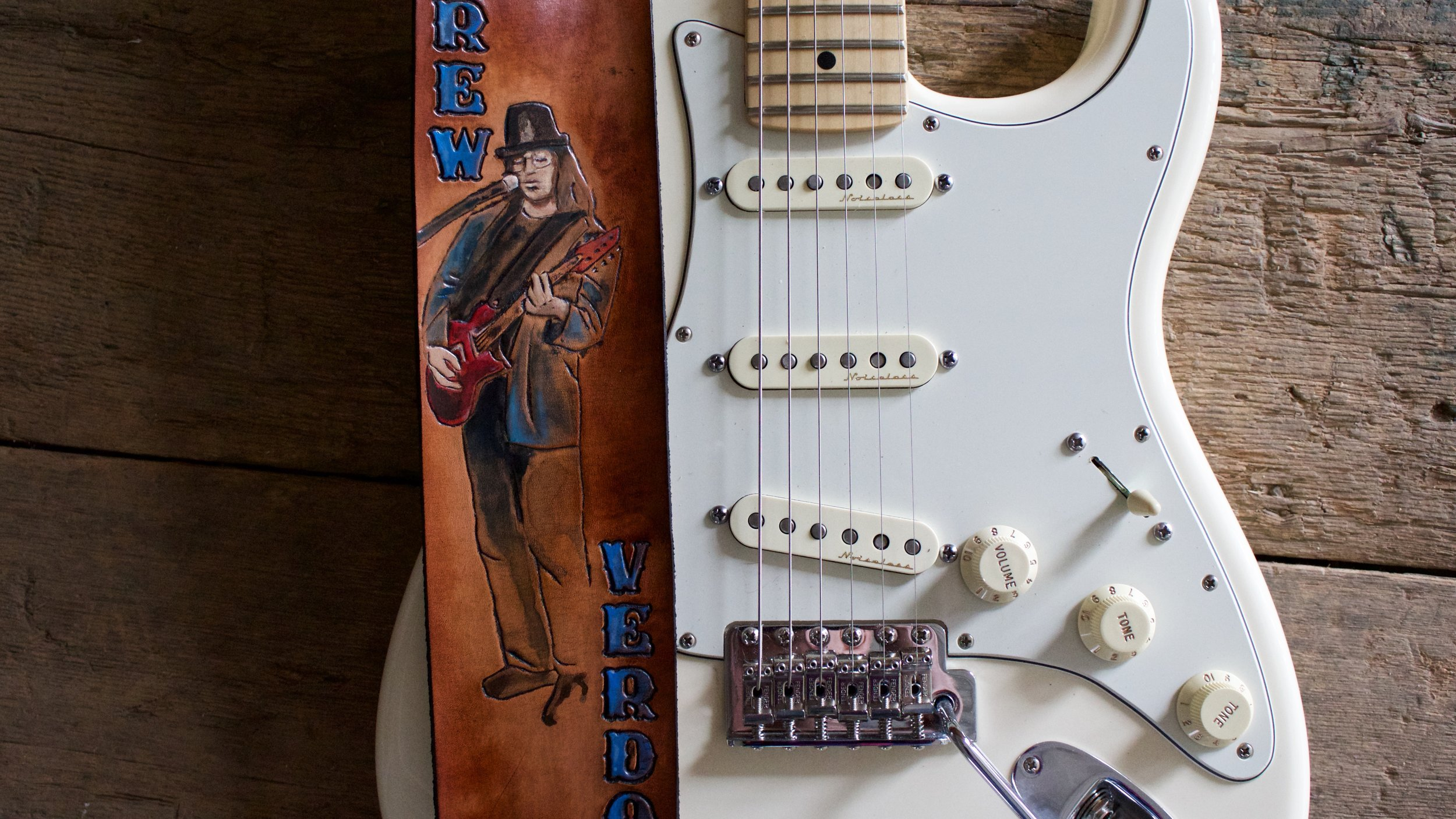 Custom name guitar strap 5.jpg