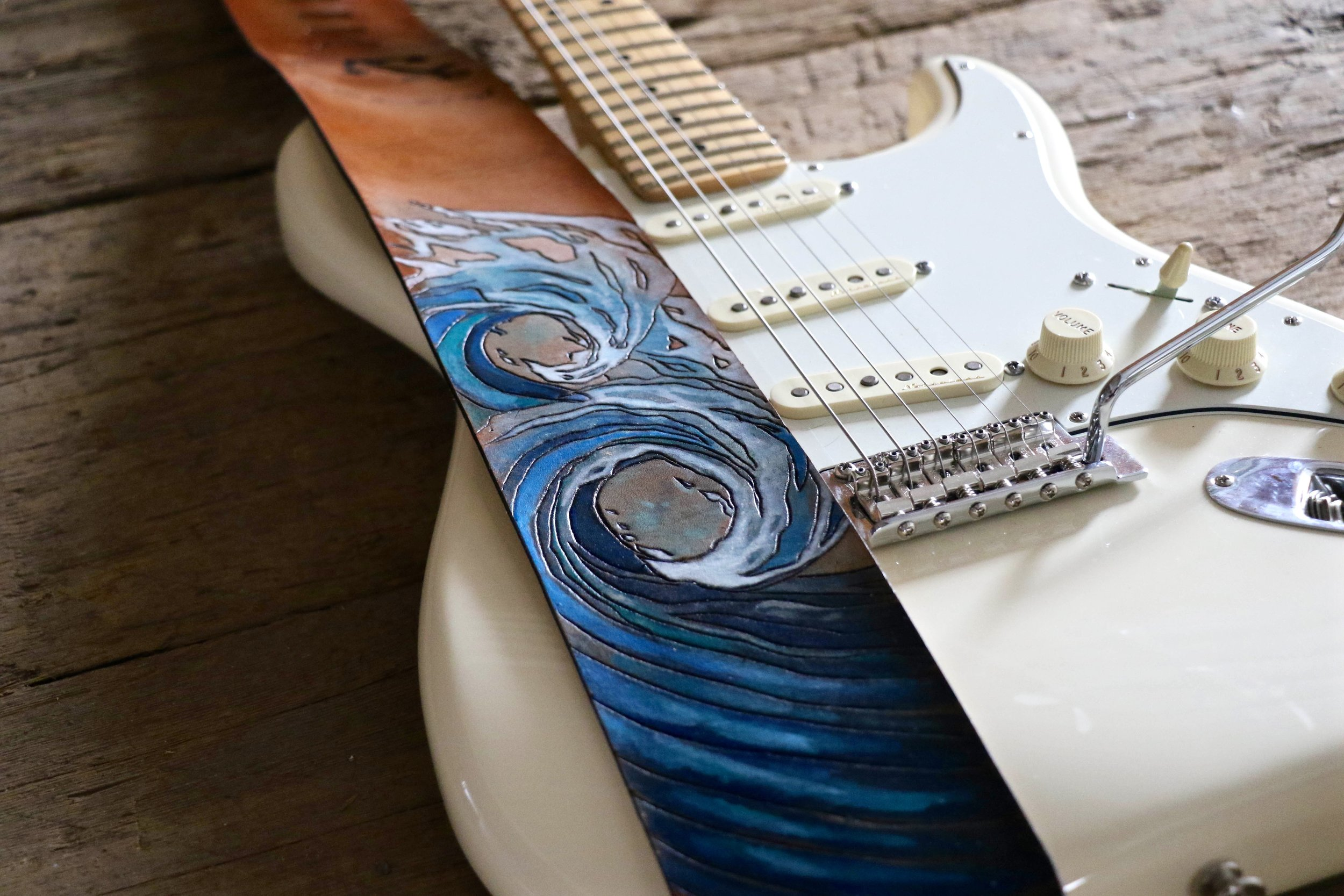 Wave Guitar strap 7.jpg