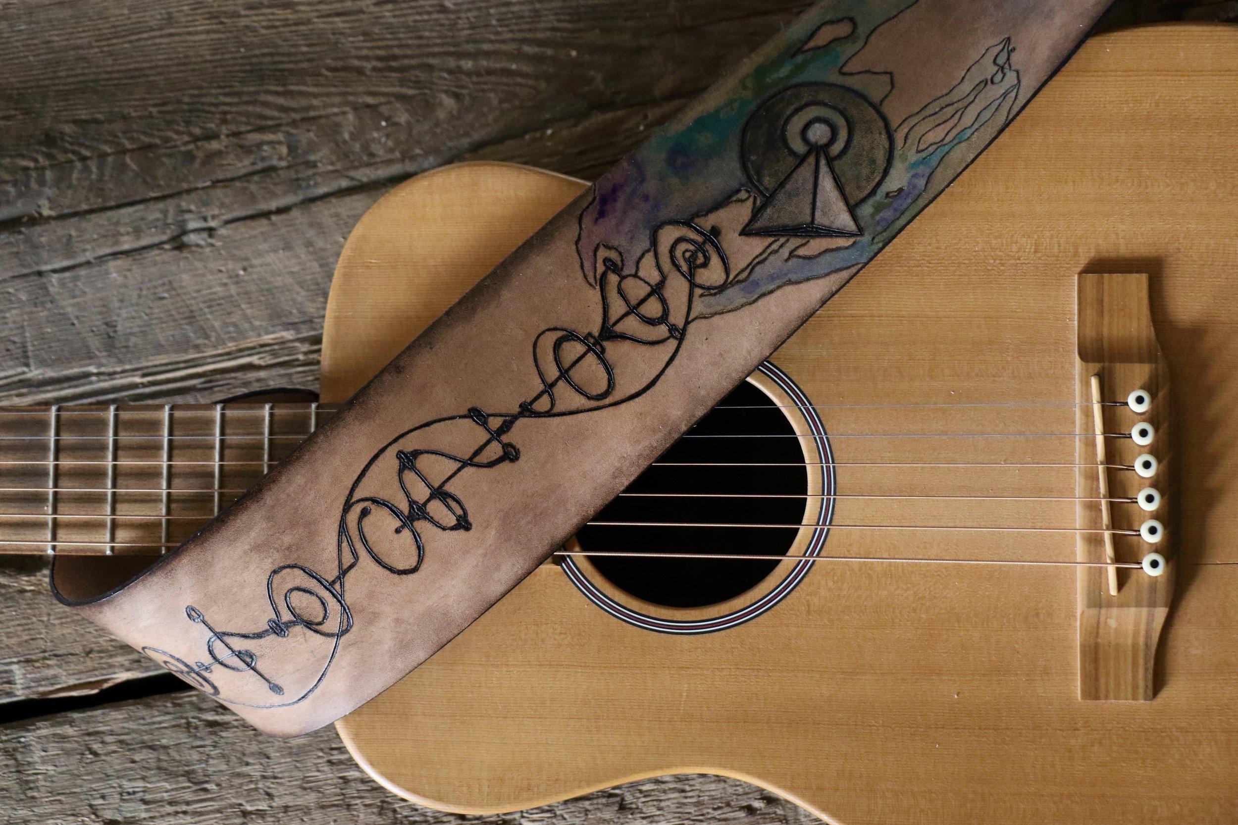 Vulcan Guitar Strap 4.jpg