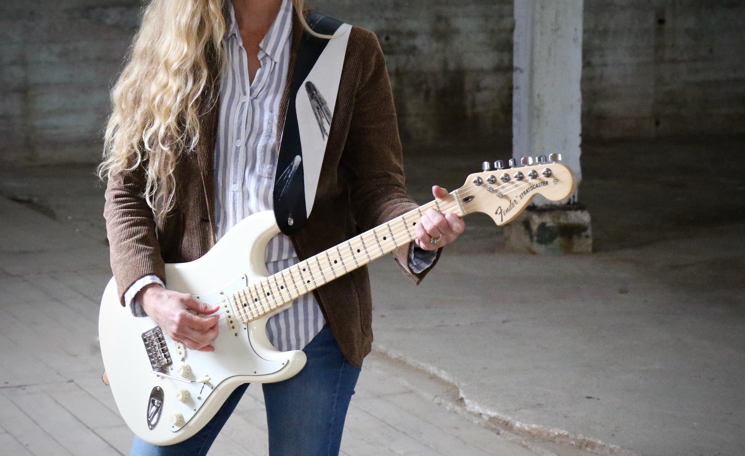 Comet guitar strap 1.jpg