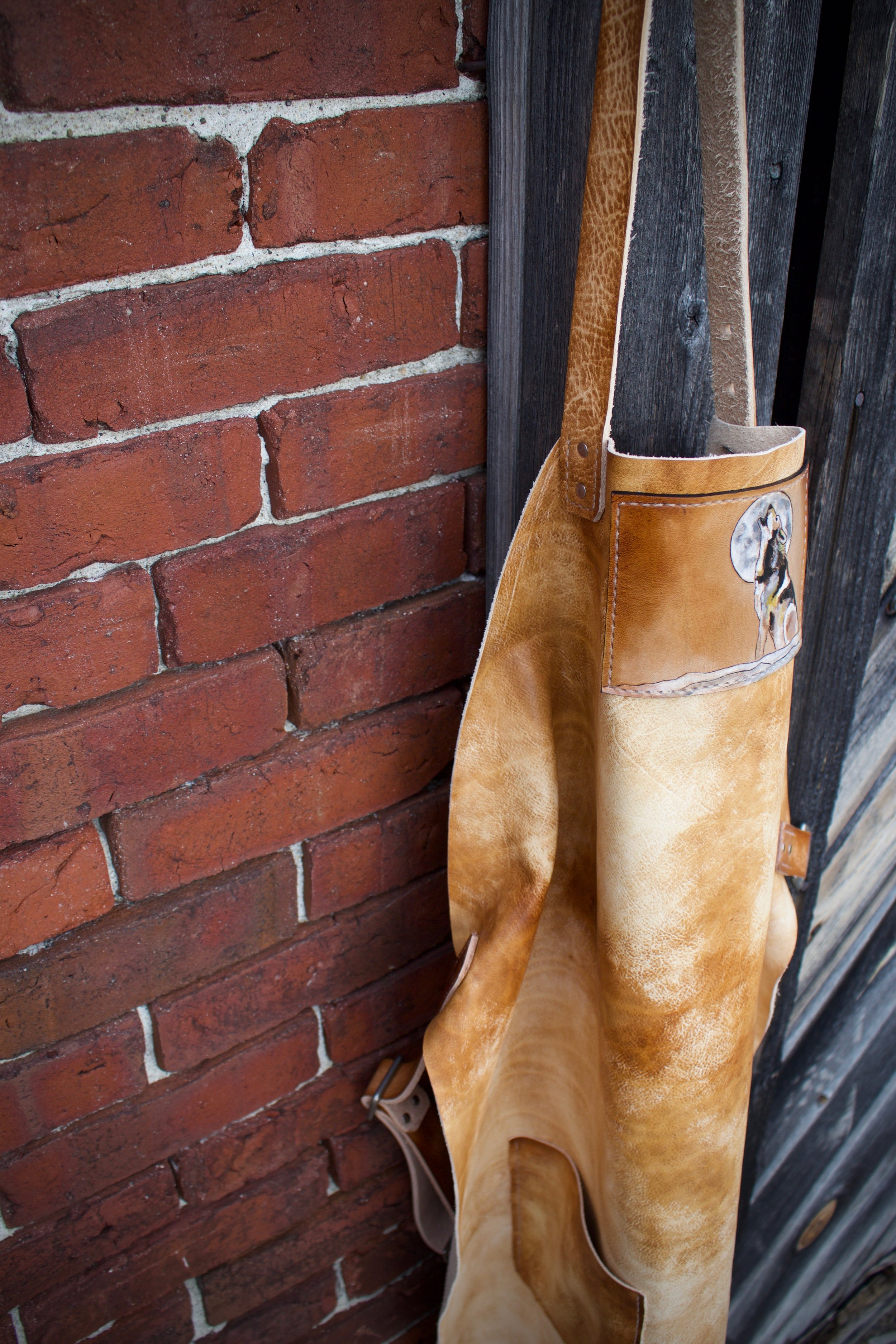 leather apron with wolf  3.jpg