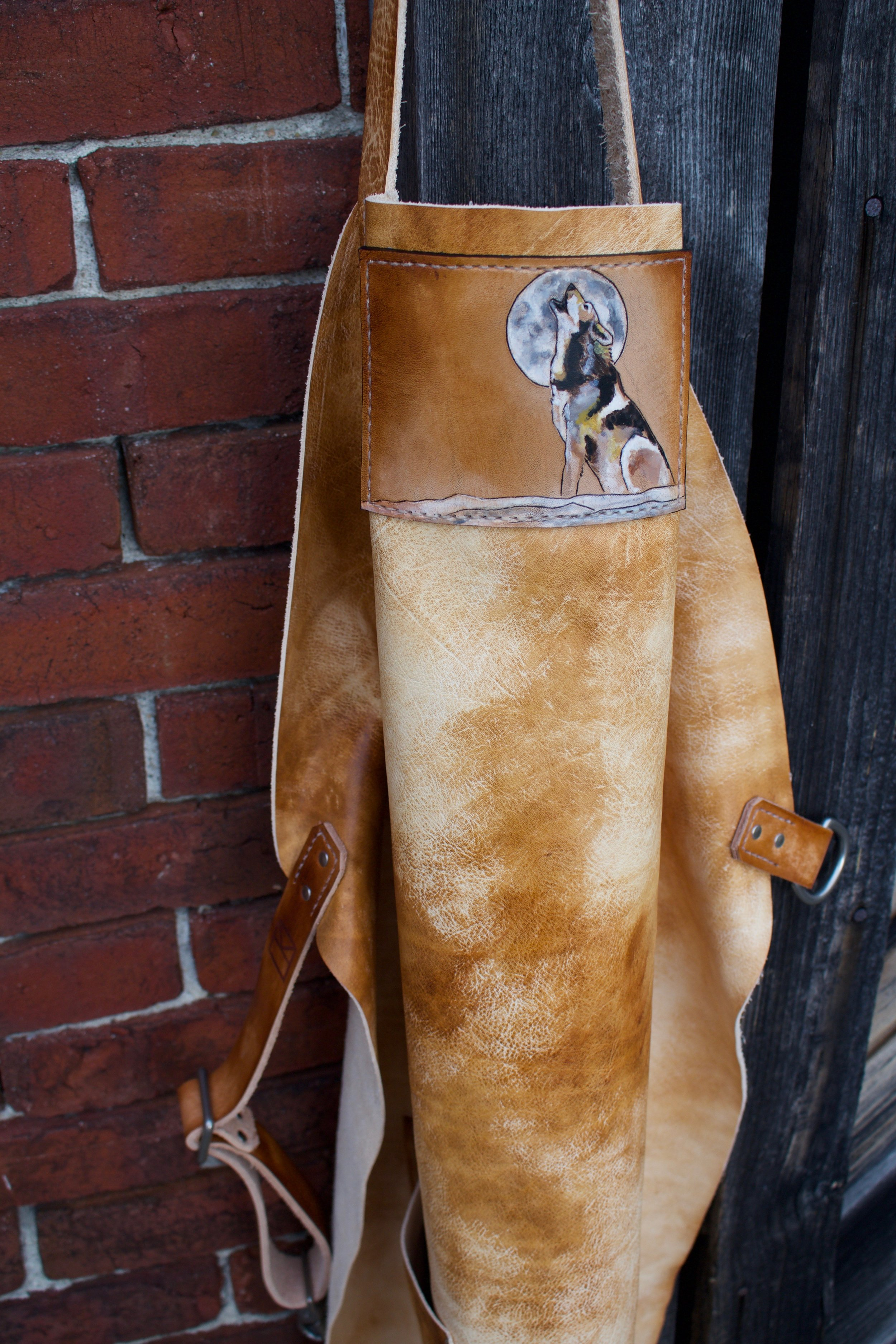 leather apron with wolf  10.jpg