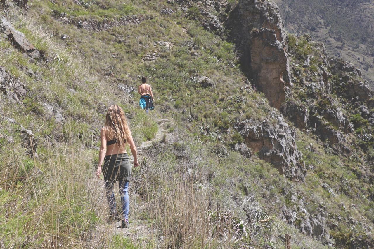 Linny and Caiti in Peru