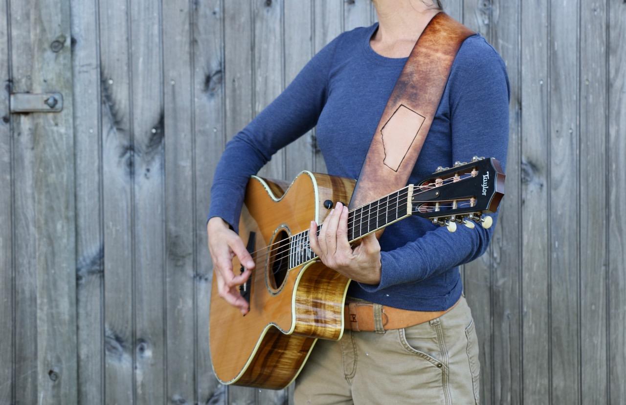 Alberta and crow custom guitar strap 3.jpg