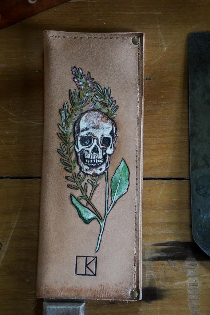 leather saya
