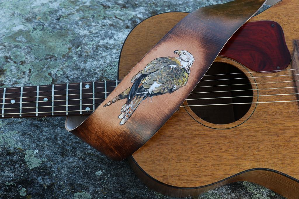 red kite guitar strap 8.jpg