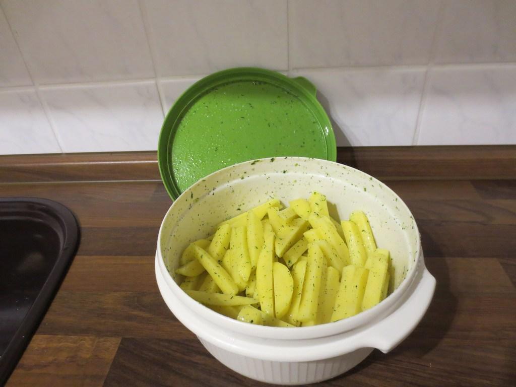 mini-2014-03-06-Homemade-French-Fries-im-Backofen-13-IMG_6370.jpg