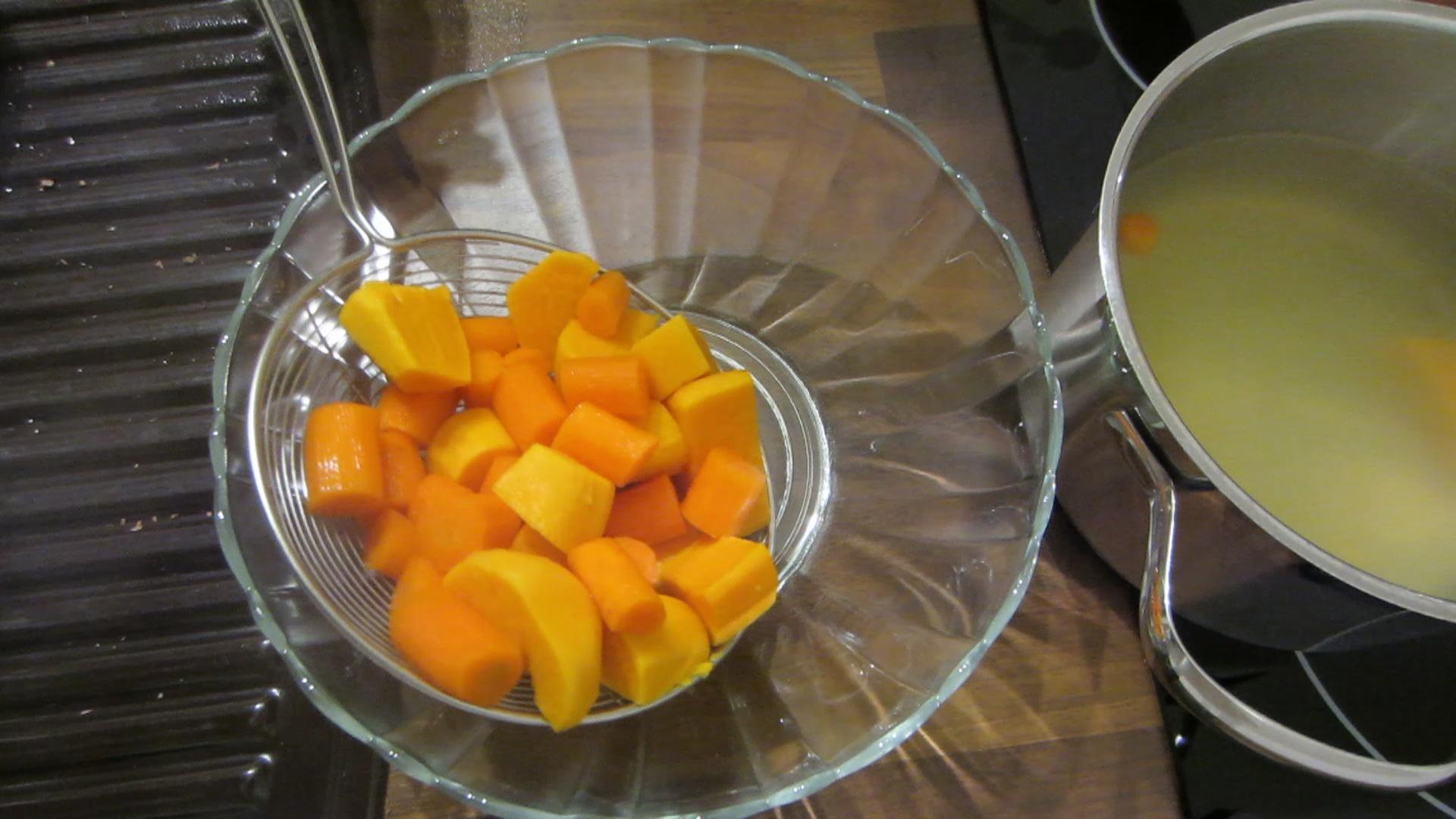 2014-04-11-Sweet-potato-carrot-mash-11.jpg