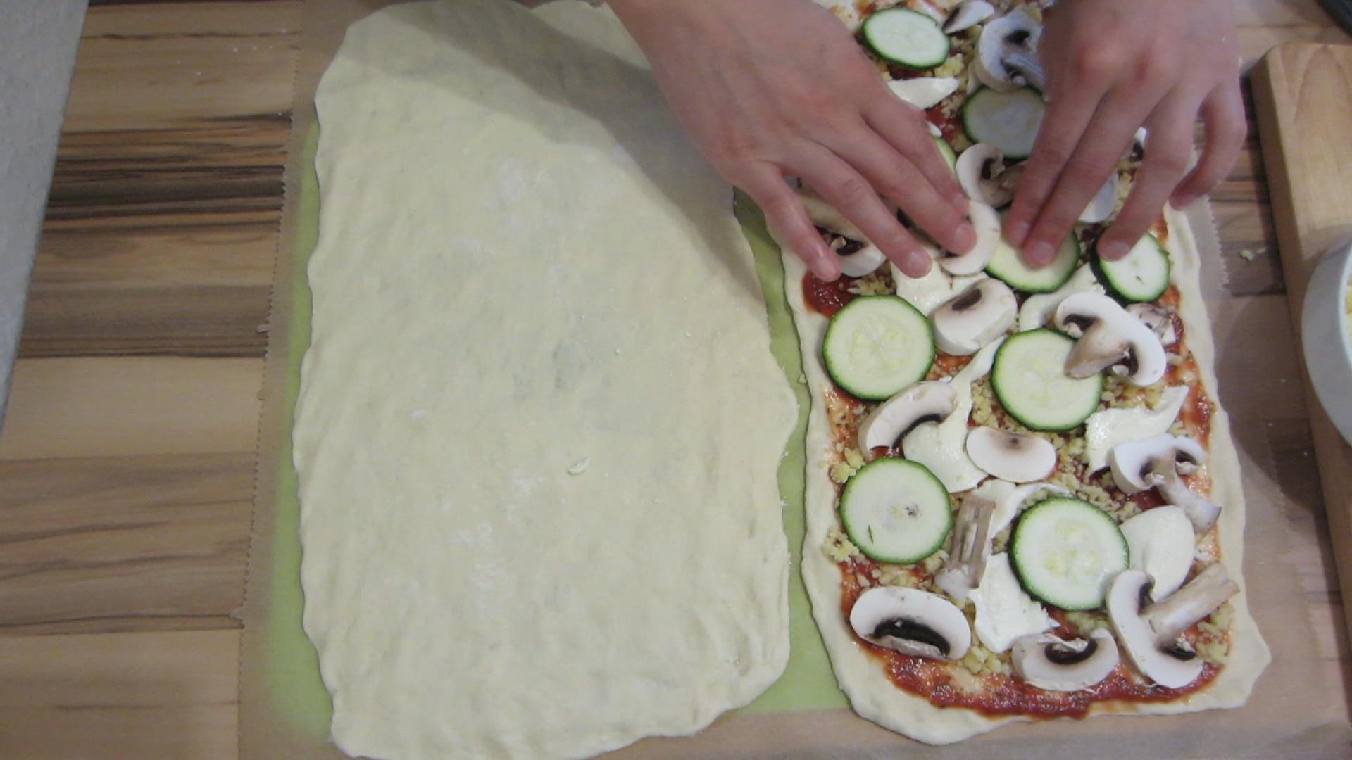 2014-05-02-Homemade-Pizza-taste-like-in-an-Italian-restaurant-26.jpg