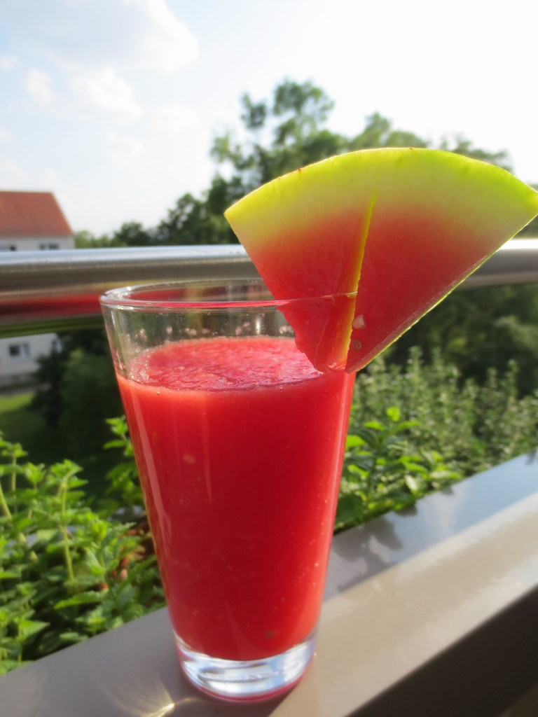 2014-07-18-Wassermelonen-Getränk-2-mini-IMG_8896.jpg