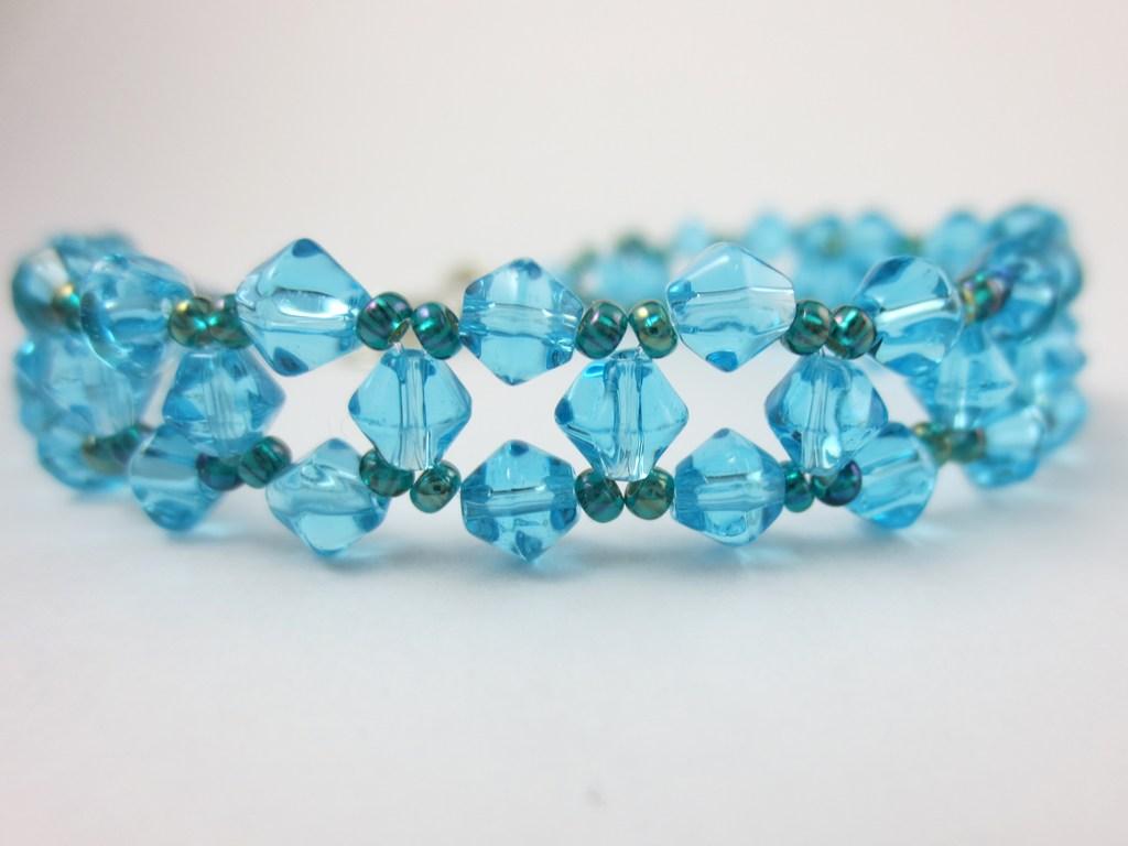 mini-blau-türkises-Schmuckarmband-2-IMG_6932.jpg