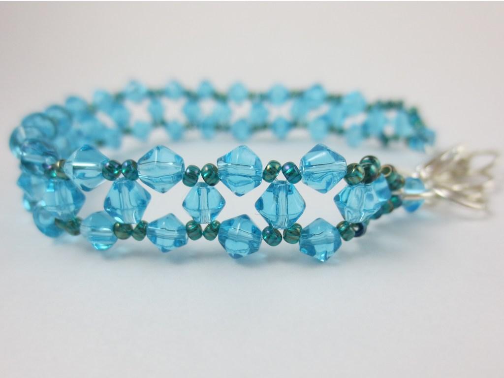 mini-blau-türkises-Schmuckarmband-3-IMG_6935.jpg