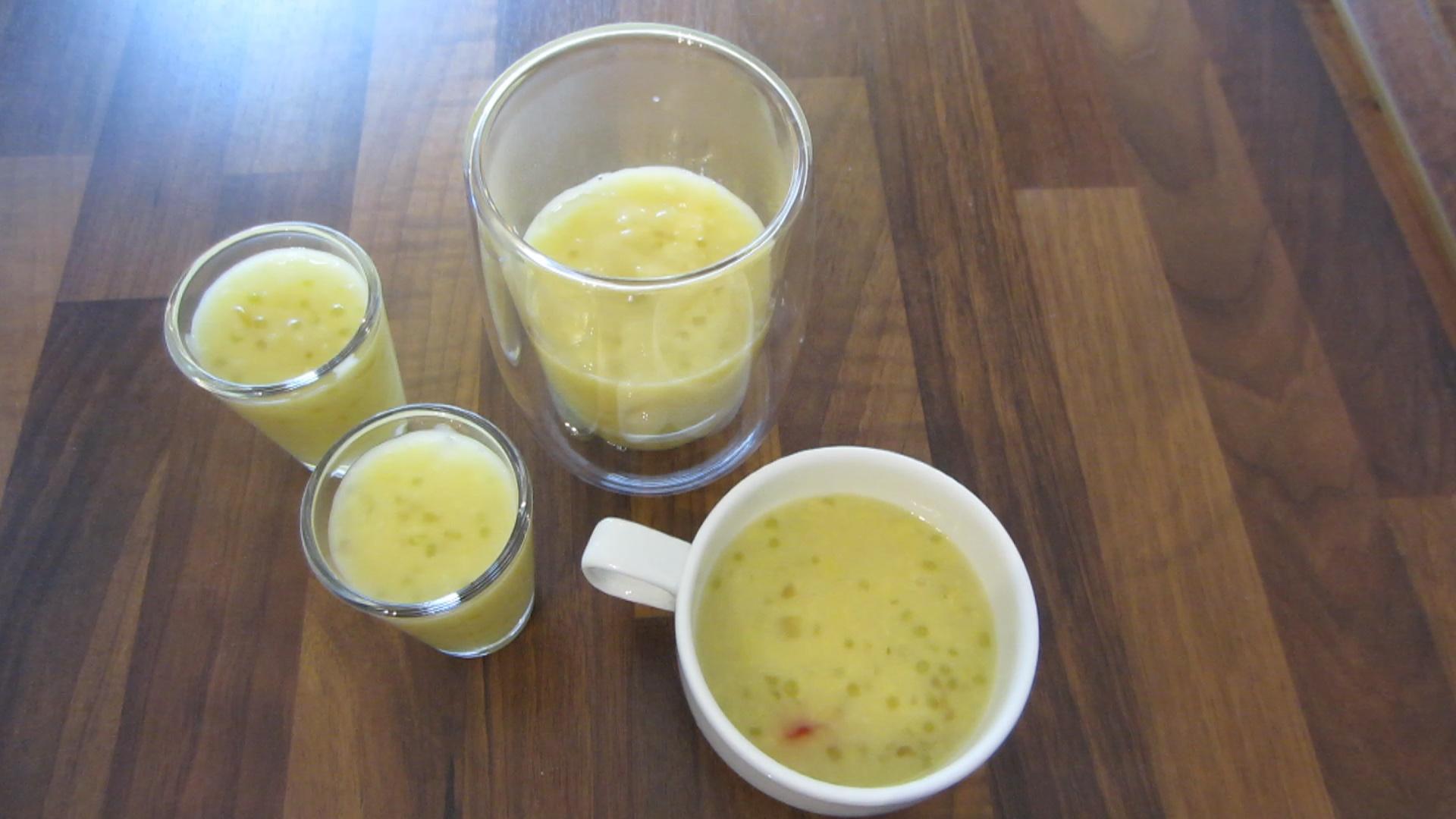 2014-07-11 chè đậu xanh bột khoai - Süße Mungbohnen Suppe mit geschreddertem Tapioka und Tapiokakugeln (29).jpg