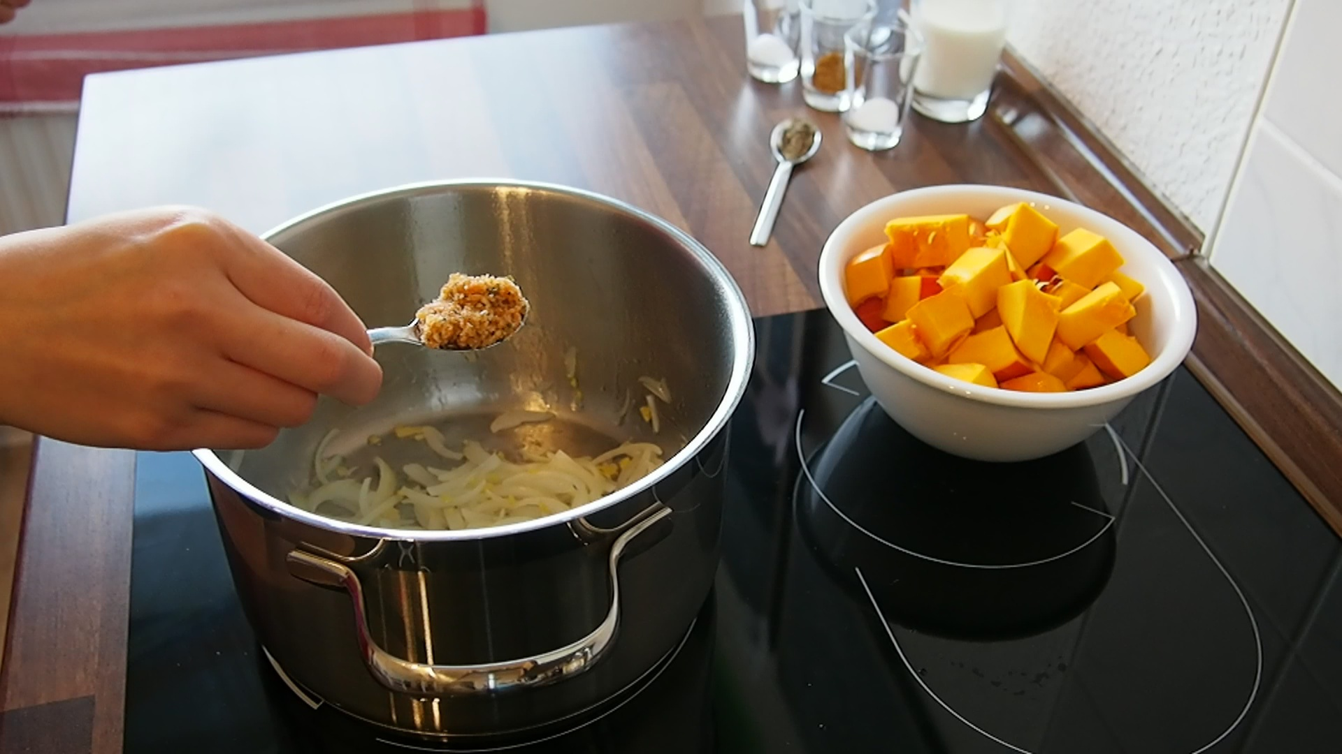 2014-10-27-Kürbis-Curry-Suppe-16.jpg