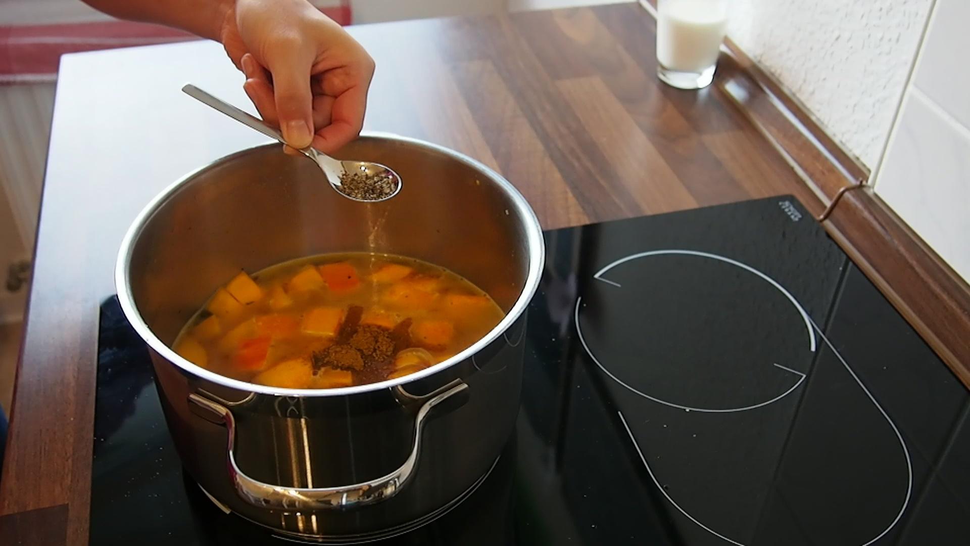 2014-10-27-Kürbis-Curry-Suppe-22.jpg