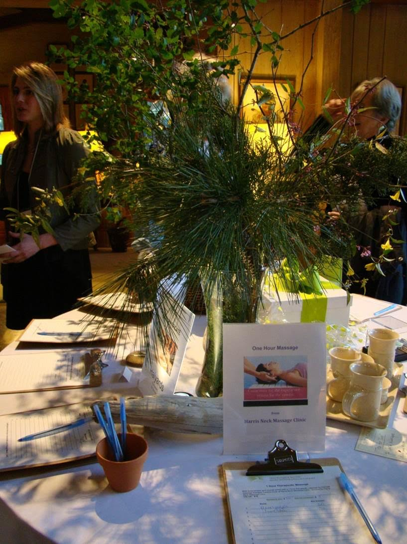 auction centerpiece table setting.jpg