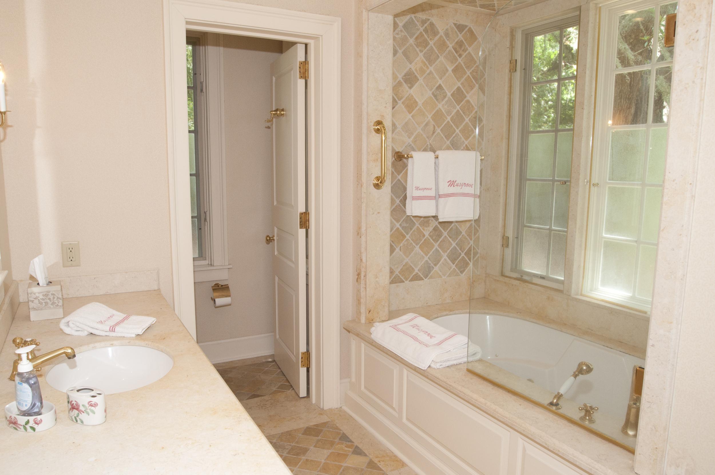 grove house guest bath.jpg