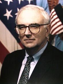 Les Aspin<br />(U.S. Secretary of Defense)