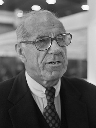 Dr. Benjamin Spock<br />(Author of 14 parenting books)