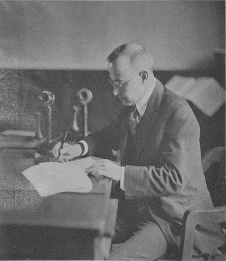Henry Suzzallo<br />(President University of Washington)