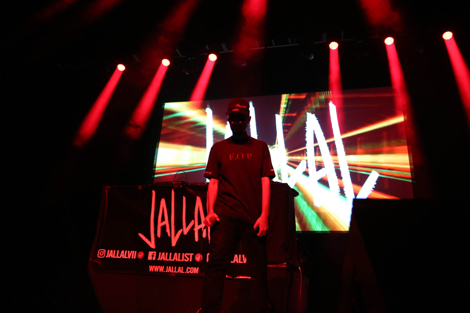 Jallal head down middle of stage.jpg