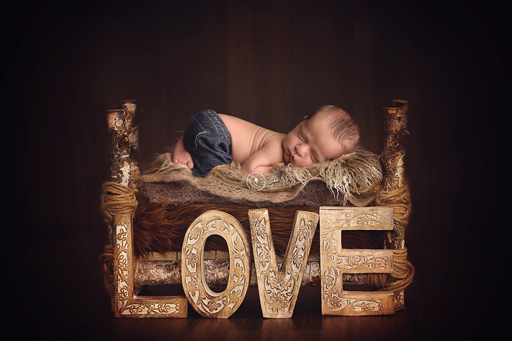 LOVE-Boynton-Beach-newborn-photographer.png