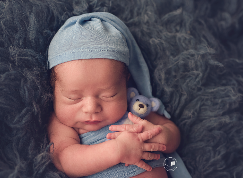 newborn photographer in Parkland