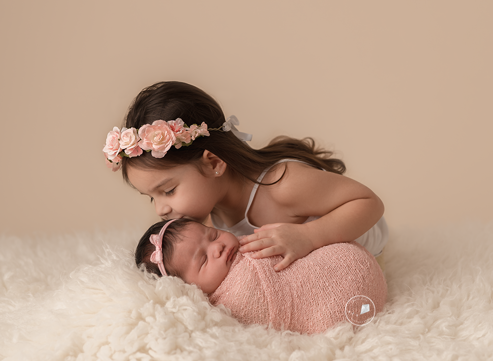 Boca-Raton-newborn-photographer_DSC4052-Edit-Edit.png