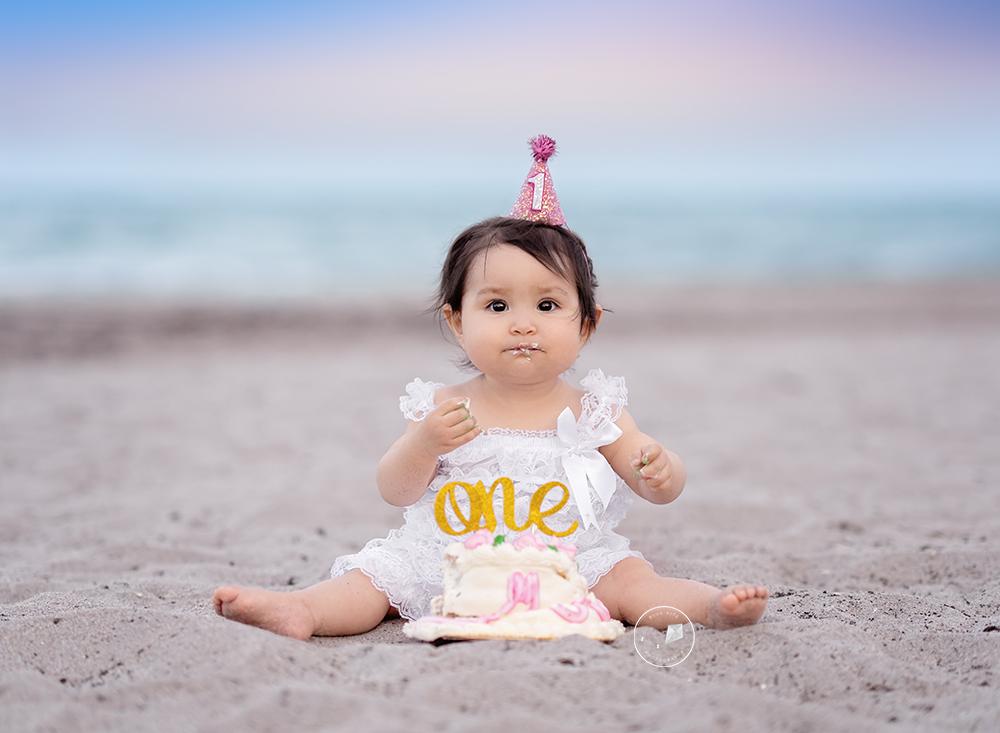 Beach-Cake-smash-boca-raton_DSC5003-Edit.png