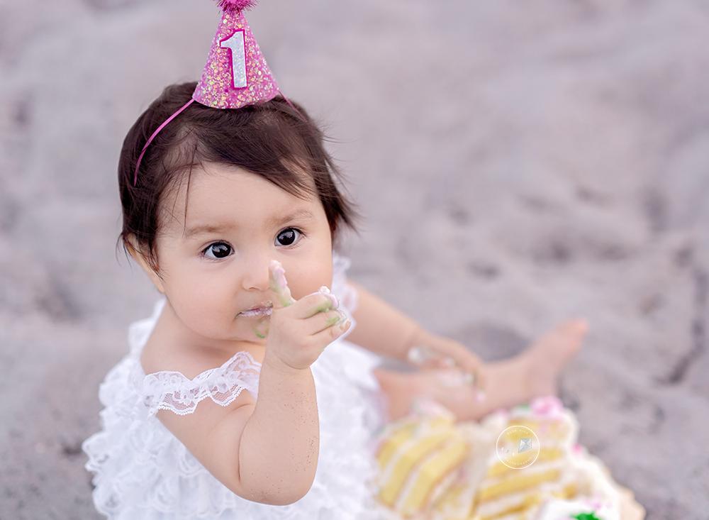 Beach-Cake-smash-boca-raton_DSC5090-Edit-Edit.png