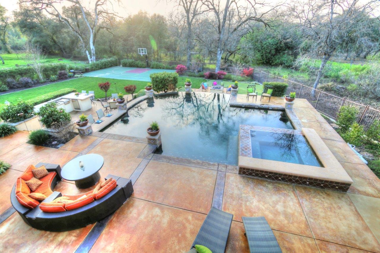 IMG_5993_backyard.jpg