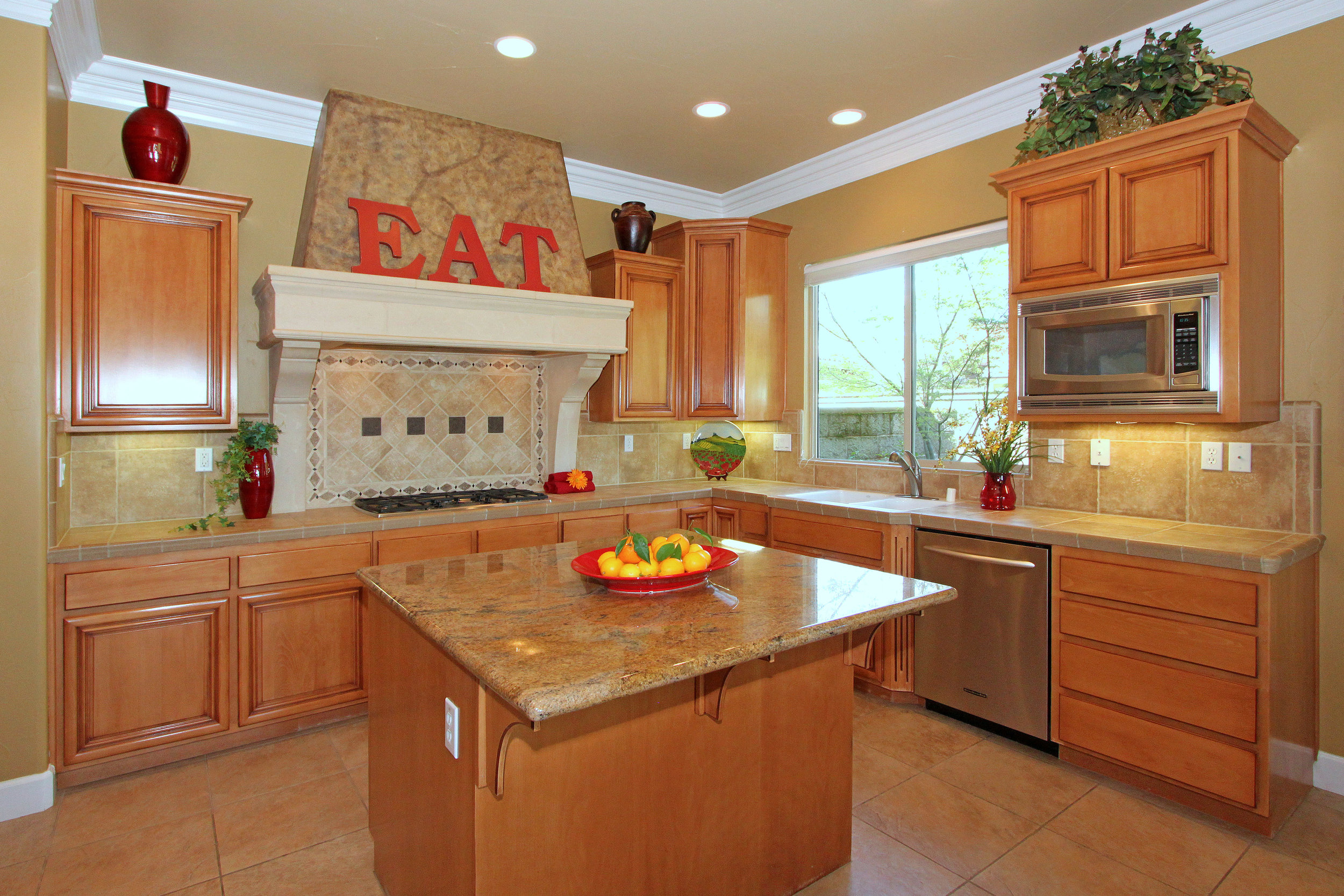 200 Valle Court Lincoln CA-print-008-9-Kitchen-4200x2800-300dpi.jpg