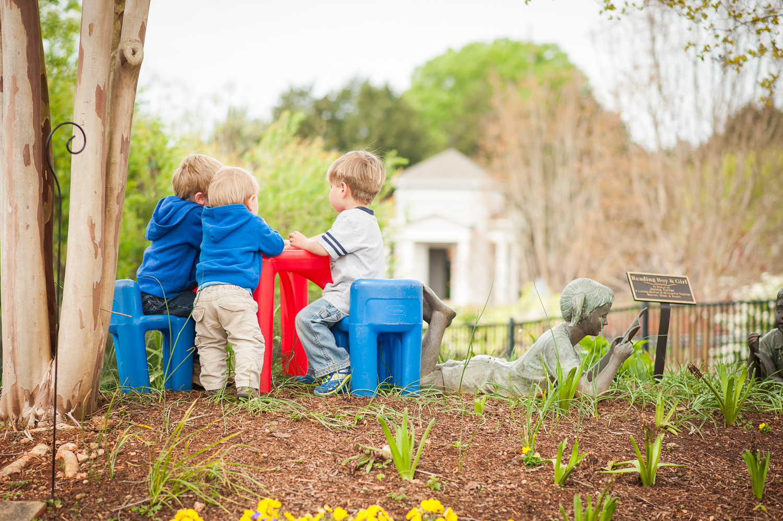3 little boys at picnic table | Huntsville photographer