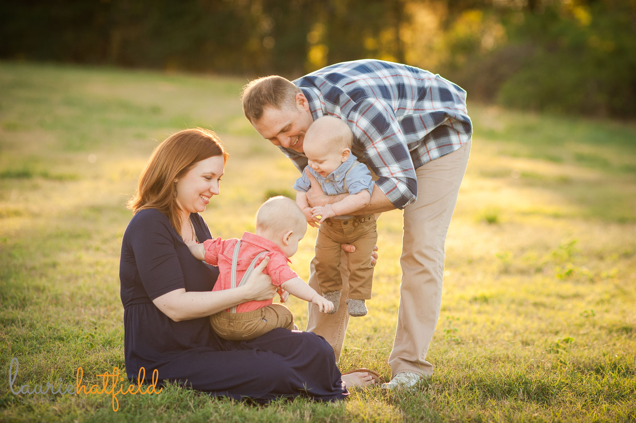 family of four in field   Mobile AL lifestyle photographer