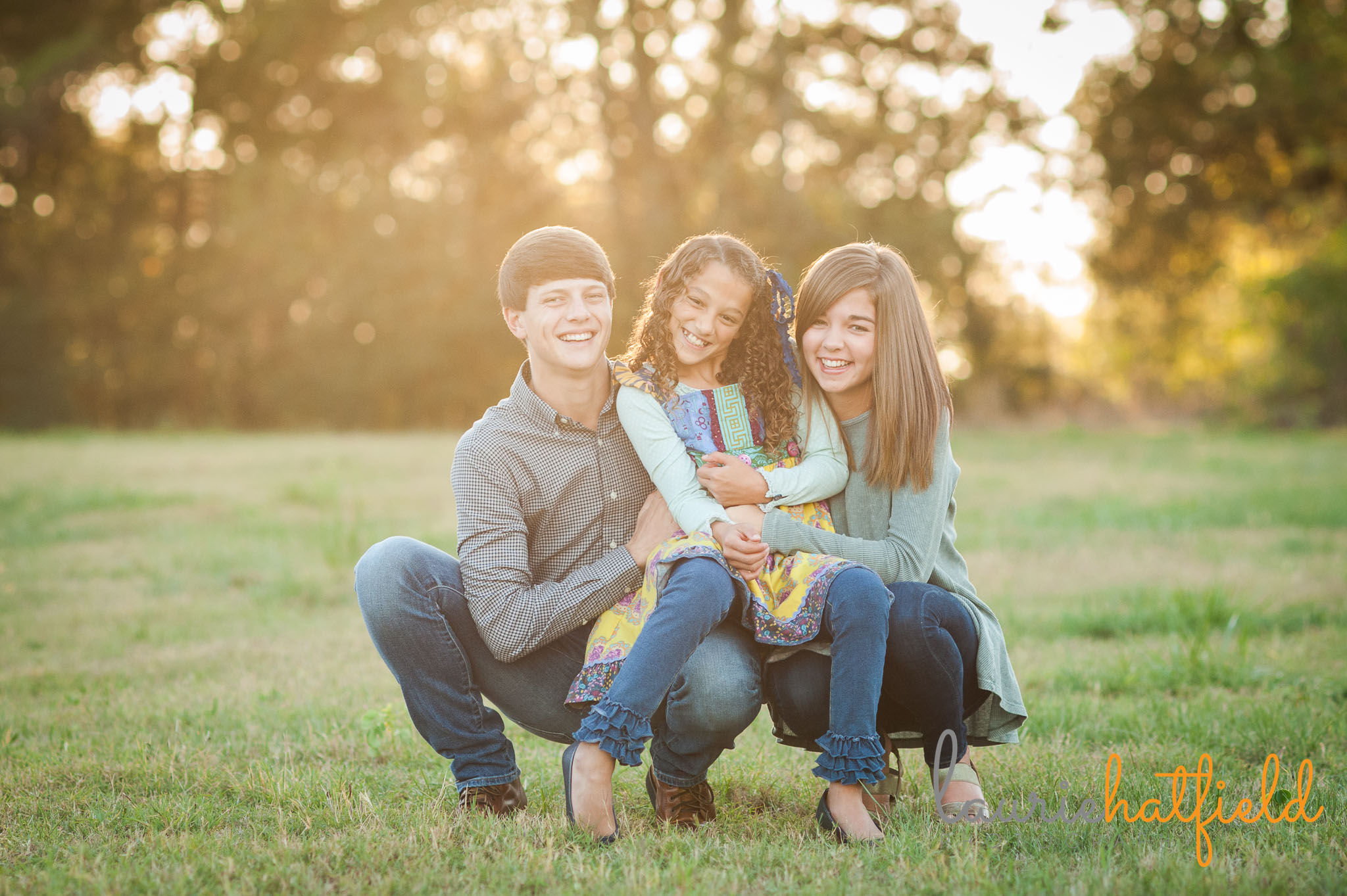 3 siblings in a field | Mobile AL family photographer