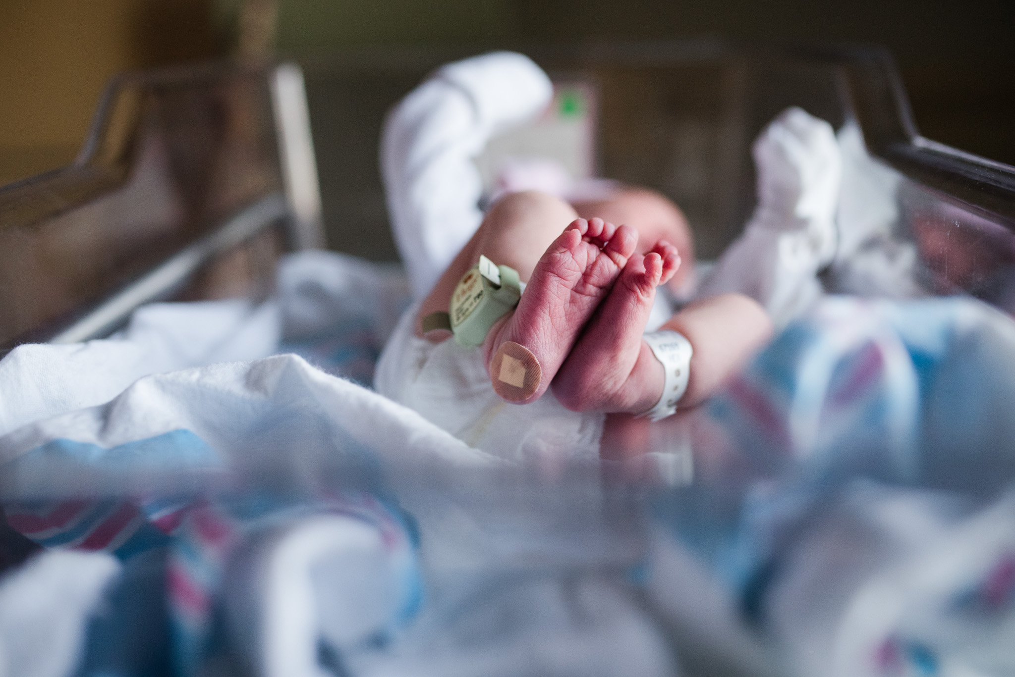 newborn baby girl feet | Mobile AL fresh 48 hospital photo session