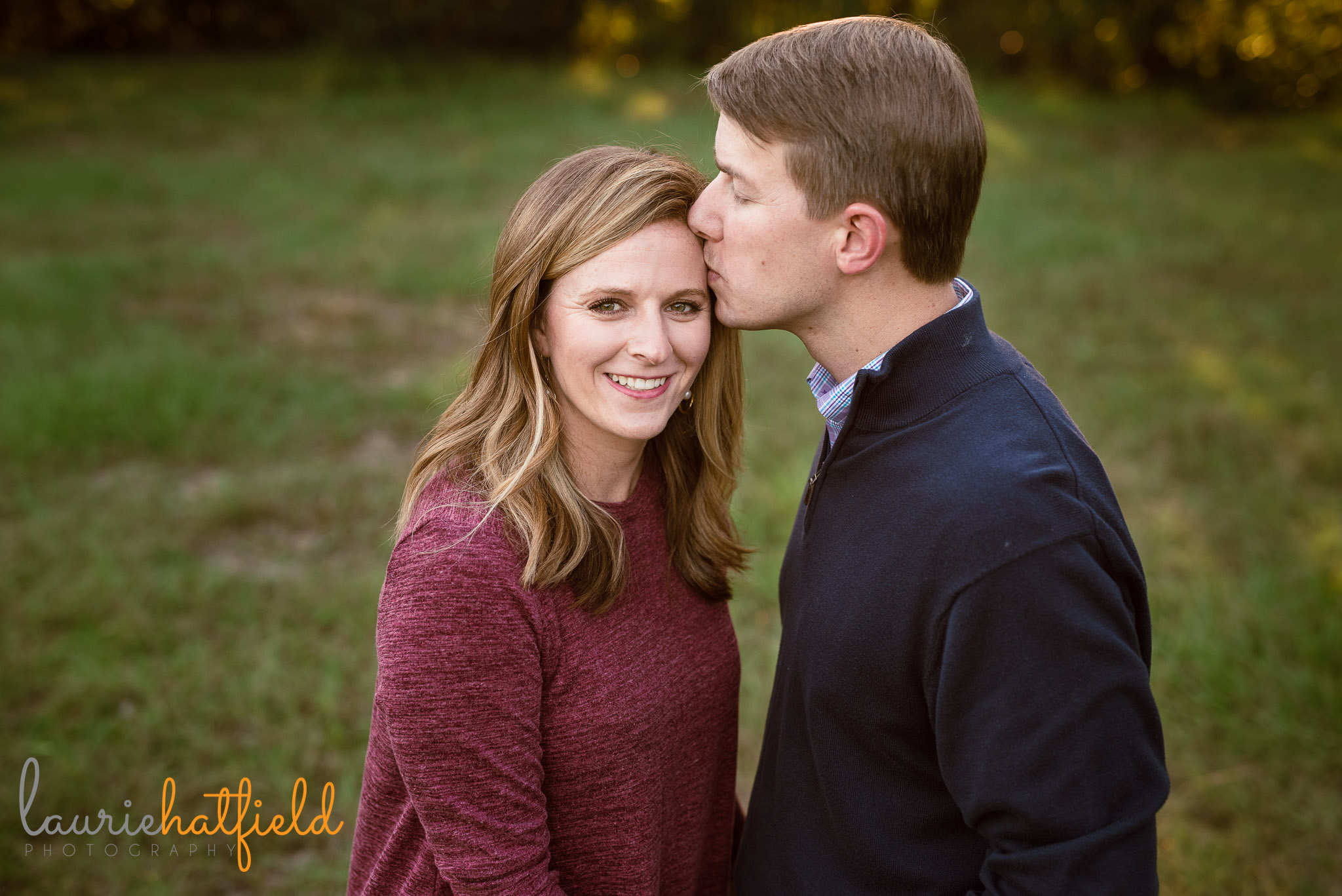 dad kissing mom's head | Mobile AL family photographer