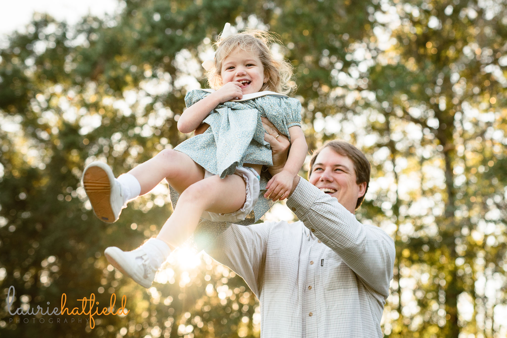 dad playing with 3-year-old daughter | Mobile AL family photographer