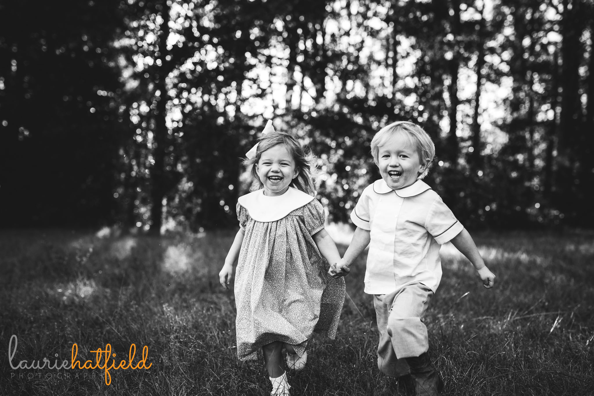 3-year-old twins running together | Mobile AL family photographer