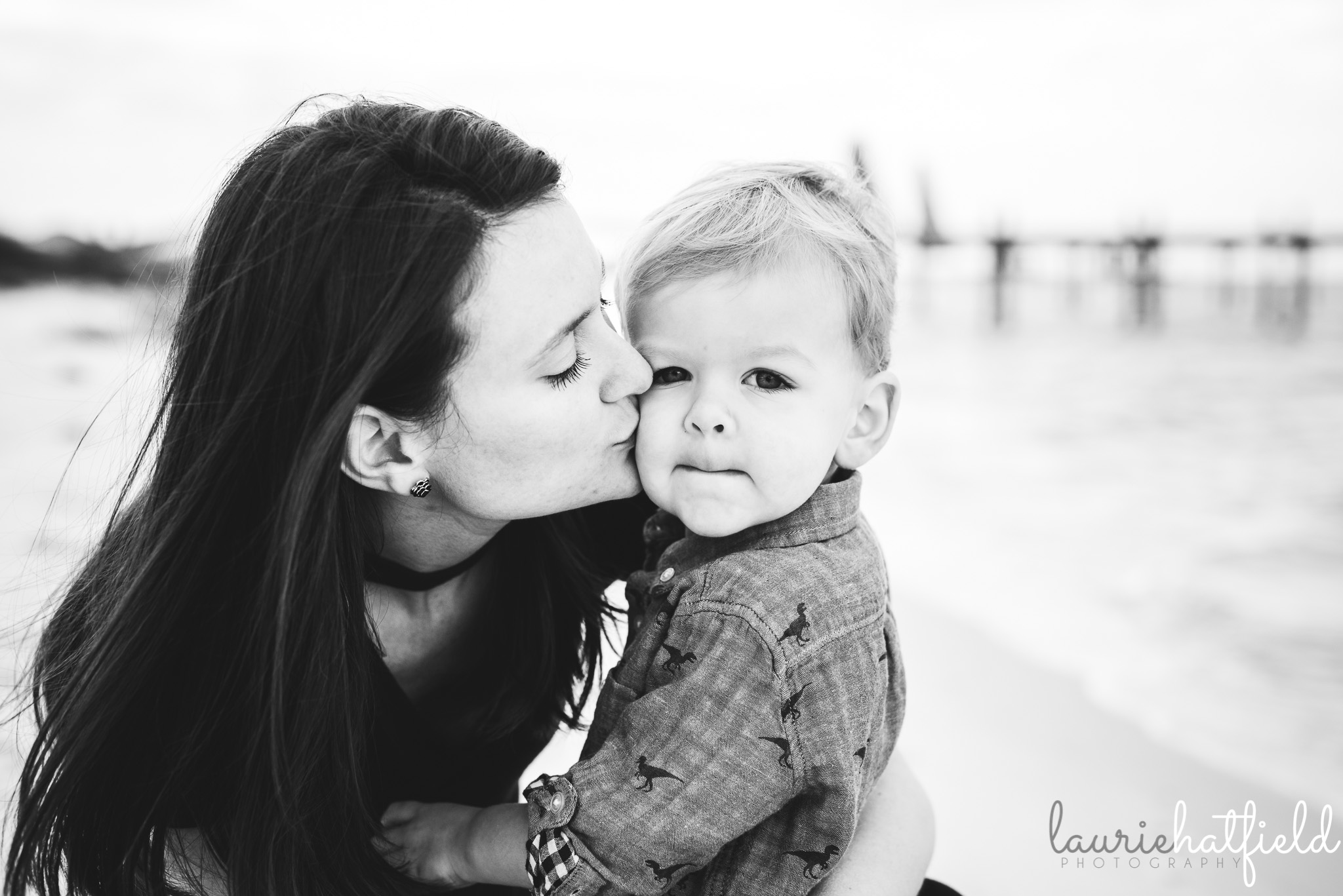 mom kissing little boy | Hartselle AL family photographer