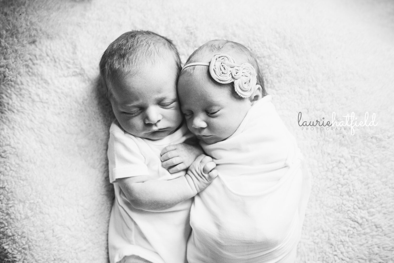 boy girl twins black and white   best newborn photographer Decatur AL