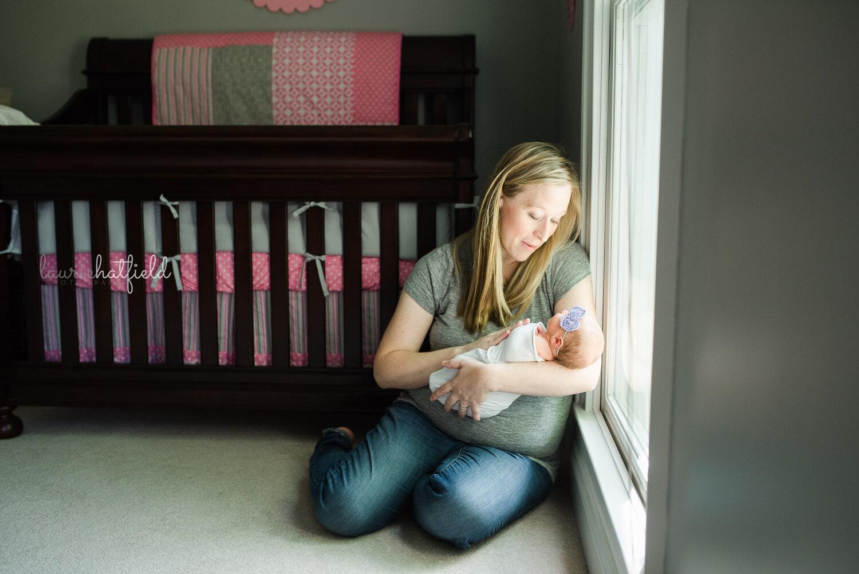 mom with baby girl   Decatur AL newborn photographer
