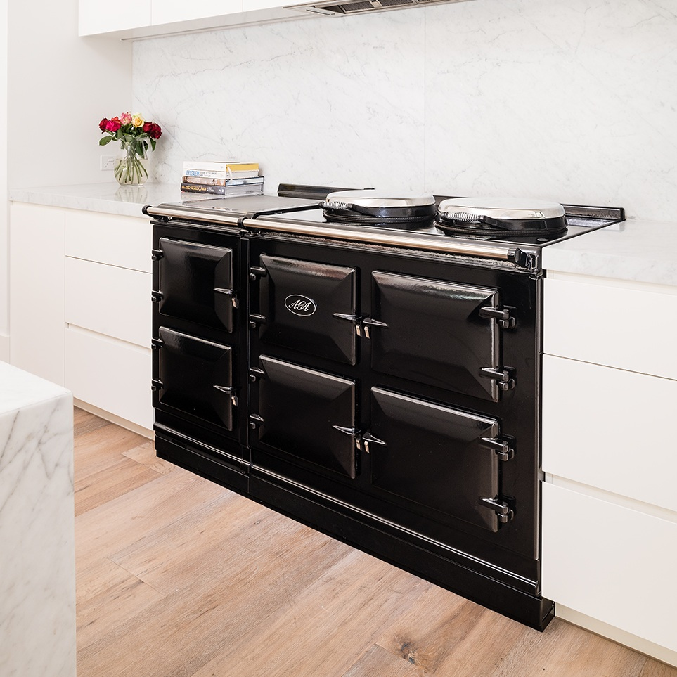 AGA Cast-iron Cookers - Available in all-electric or gas and electric models with 2, 3, 5 or 7 ovens in 16 beautiful colours.